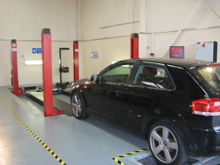 Streat Motors MOT Station in Redhill and Surrey.  Book MOT Online